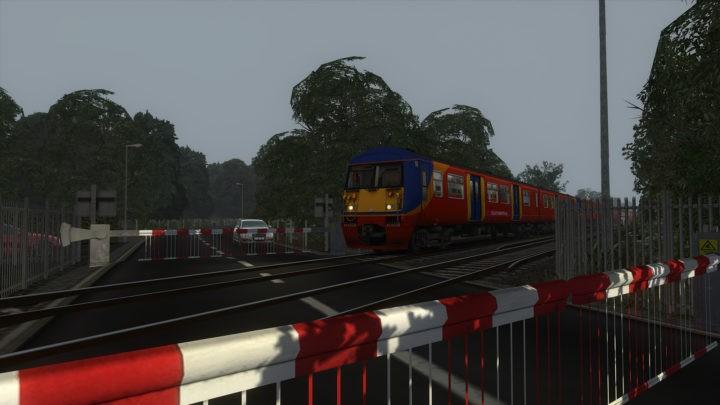 2J49: 1706 London Waterloo to Hampton Court