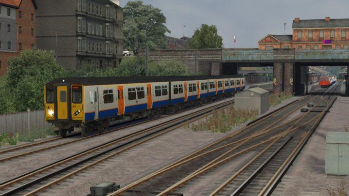 2V51 17:54 Upminster to Romford