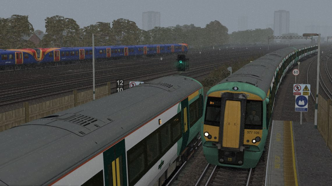 2L27 12:07 East Grinstead to London Victoria