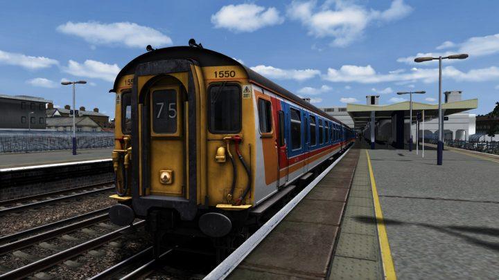 2F57 13.26 London Waterloo – Guildford (2003) v1.1