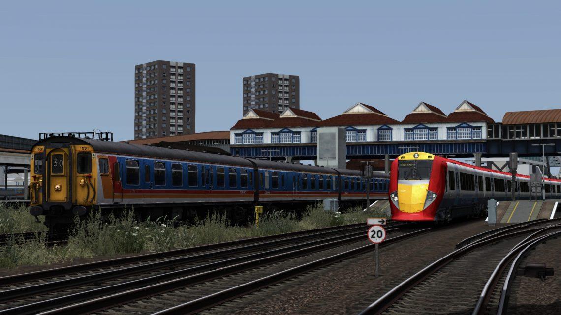 2J35 13.26 London Waterloo – Hampton Court (2003) v1.1