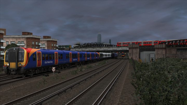 [OTS] 2F93 17:32 London Waterloo-Guildford