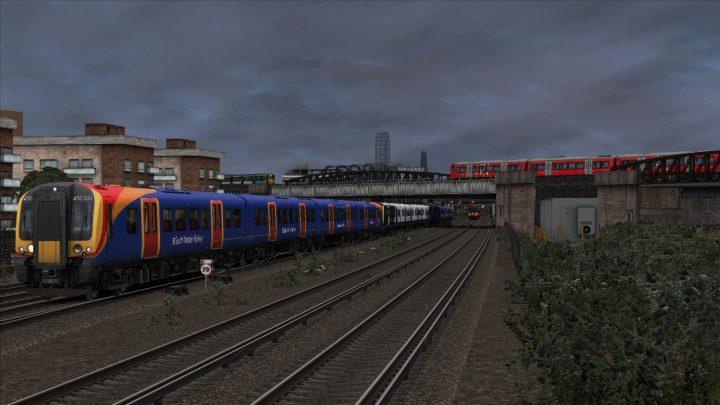 [OTS] 2F93 17:32 London Waterloo-Guildford