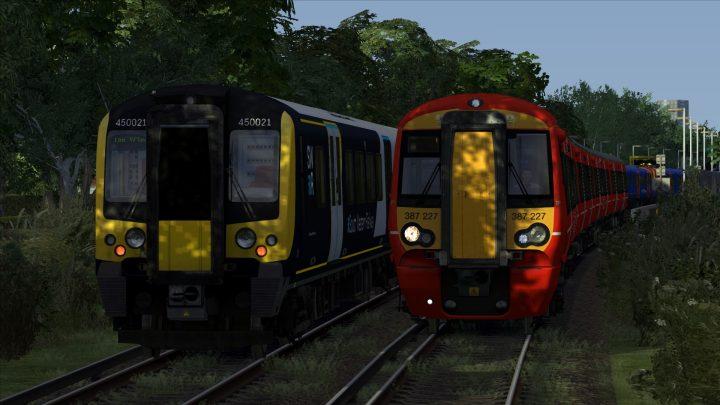 2S32 18:55 Littlehampton to Portsmouth & Southsea