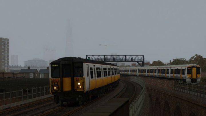 1P39 15:52 London Bridge to Tattenham Corner (2003)